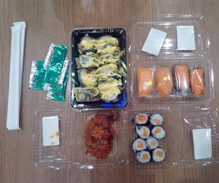 Foto review Sushi & Sashimi oleh Athifa Rahmah 1
