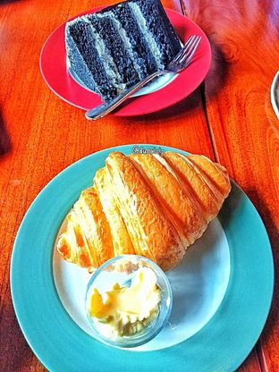Foto 34 - Makanan di Convivium oleh duocicip
