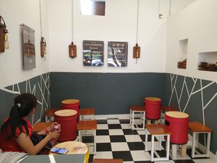 Foto 6 - Interior di Emado's Shawarma oleh Adhy Musaad