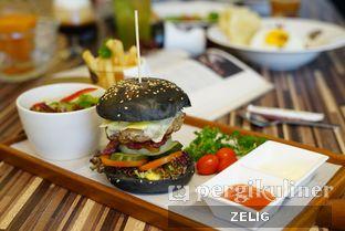 Foto 4 - Makanan di Mokka Coffee Cabana oleh @teddyzelig