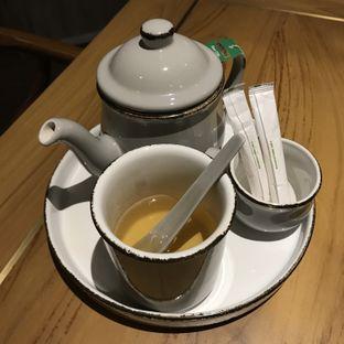 Foto 2 - Makanan(Green Tea Jasmine by Twinning) di Red Door Koffie House oleh @stelmaris