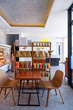 Foto 7 - Interior di Dapur Cokelat Coffee oleh yudistira ishak abrar