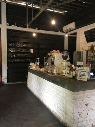 Foto 7 - Interior di Klasik Coffee oleh RI 347   Rihana & Ismail