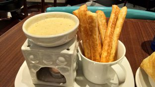 Foto 6 - Makanan(Puff Cheese Fondue) di The Kitchen by Pizza Hut oleh Komentator Isenk