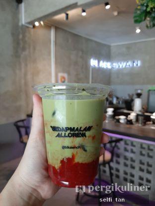 Foto review Blackswan Coffee House oleh Selfi Tan 1