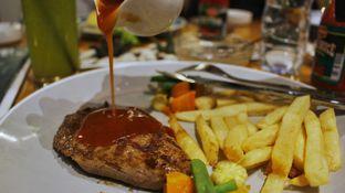 Foto 1 - Makanan di Jardin oleh Tristo