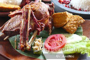 Foto 13 - Makanan(Nasi Cobek Bebek Dada) di Pondok Suryo Begor oleh UrsAndNic