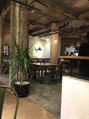 Foto review Industrie Coffee & Eatery oleh Kristaria Vidyanti 3
