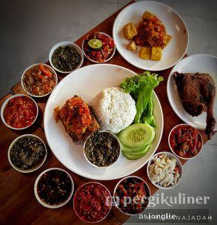 Foto 1 - Makanan di Sambal Khas Karmila oleh Asiong Lie @makanajadah