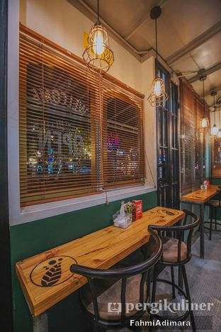 Foto 7 - Interior di Cincau Bistro oleh Fahmi Adimara