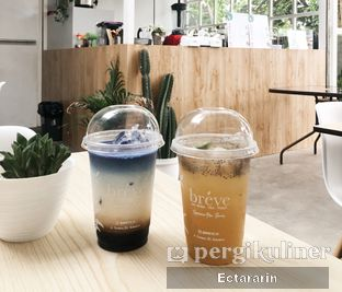 Foto 2 - Makanan(Passion Punch And Blue Latte) di Breve oleh Ectararin