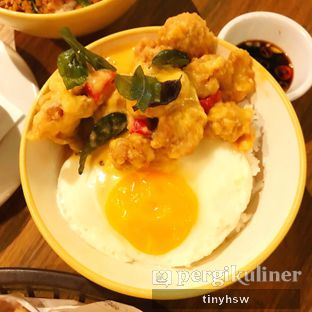Foto 4 - Makanan(salted egg chicken) di The People's Cafe oleh Tiny HSW. IG : @tinyfoodjournal