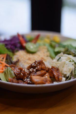 Foto 1 - Makanan(Vietnam Salad) di COHERE oleh Dian