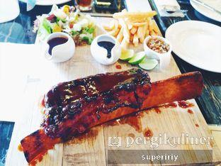 Foto 1 - Makanan(BBQ beef back ribs) di The Socialite Bistro & Lounge oleh @supeririy
