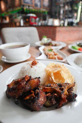 Foto review Intro Jazz Bistro & Cafe oleh thehandsofcuisine  1