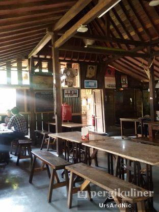 Foto 2 - Interior di Waroeng Solo oleh UrsAndNic
