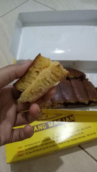 Foto 3 - Makanan(Martabak Manis setengah keju setengab coklat kacang) di Martabak Bang Matjan oleh Ratu Aghnia