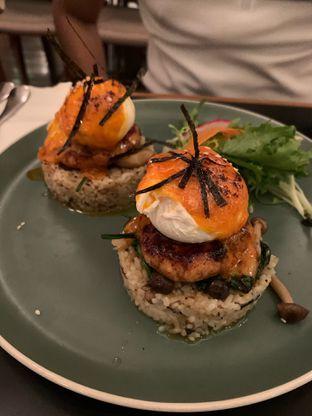 Foto 5 - Makanan(Salmon Bennedict) di Benedict oleh soniavlnc