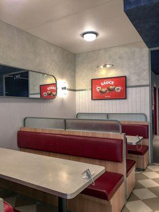 Foto 2 - Interior di Food Days oleh @Foodbuddies.id   Thyra Annisaa