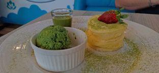 Foto 6 - Makanan(Matcha Berry Pancake) di Sunny Side Up oleh Komentator Isenk