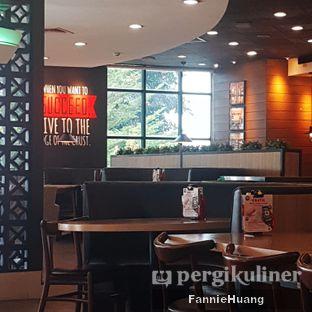 Foto 4 - Interior di Pizza Hut oleh Fannie Huang||@fannie599