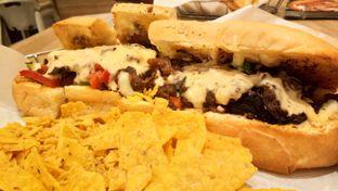 Foto 3 - Makanan(Philly Cheesesteak Slider) di Pizza Hut oleh Komentator Isenk