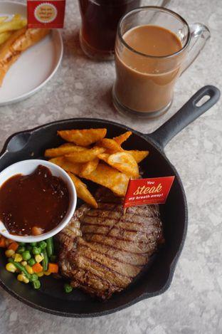 Foto 13 - Makanan di Steak Hotel by Holycow! oleh yudistira ishak abrar