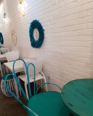 Foto 2 - Interior di Coffee With Me oleh Ken @bigtummy_culinary