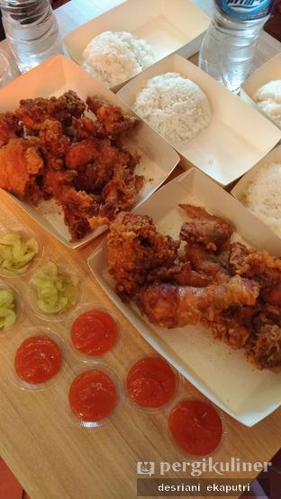 Foto 1 - Makanan di Fried Chicken Master oleh Desriani Ekaputri (@rian_ry)