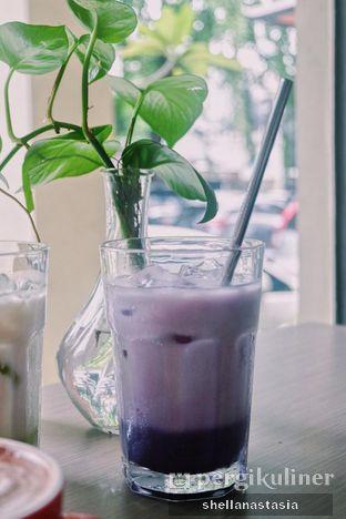 Foto 4 - Makanan(Taro Latte) di PLUIE Cafe & Resto oleh Shella Anastasia