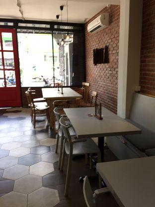 Foto 14 - Interior di Mula Coffee House oleh Yohanacandra (@kulinerkapandiet)