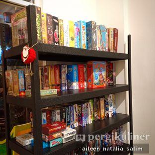 Foto 3 - Interior di Hello Cafe & Board Games oleh @NonikJajan