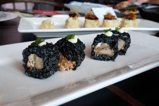 Foto 3 - Makanan(Chicken & cream cheese ika sumi roll) di Enmaru oleh Pengembara Rasa