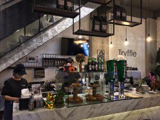 Foto 1 - Interior di Trvffle Bistro oleh natalia    (IG)natjkt_foodie