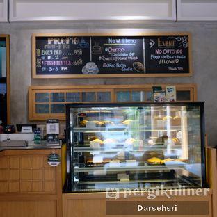 Foto 9 - Interior di Monkey Tail Coffee oleh Darsehsri Handayani