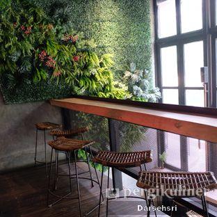 Foto 7 - Interior di Crematology Coffee Roasters oleh Darsehsri Handayani