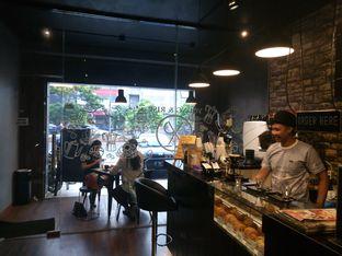 Foto 5 - Interior di Young & Rise Coffee oleh yudistira ishak abrar