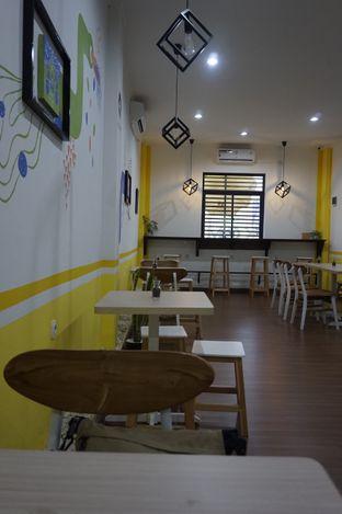 Foto 24 - Interior di Koma Cafe oleh yudistira ishak abrar