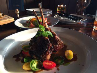 Foto 1 - Makanan di Roosevelt - Hotel Goodrich Suites oleh Dyah Ayu Pamela