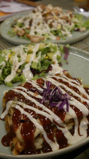 Foto 1 - Makanan di Burgreens Express oleh Olivia @foodsid
