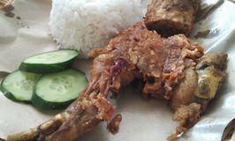 Ayam Gepuk Mak Rose