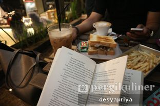 Foto 10 - Interior di Maraca Books and Coffee oleh Desy Apriya