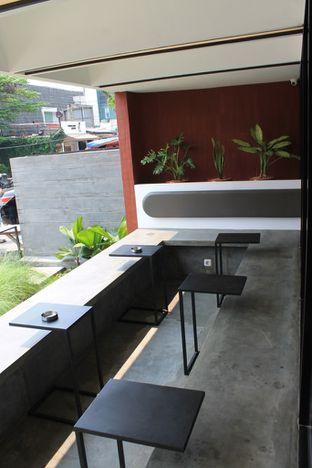 Foto 4 - Interior di Routine Coffee & Eatery oleh Prido ZH