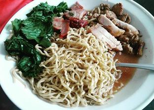 Foto 1 - Makanan di Bakmi Ho Liaw oleh IG: @hannybhunny