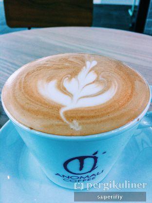 Foto - Makanan(cappuccino) di Anomali Coffee oleh @supeririy