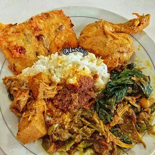 Foto - Makanan(Nasi rendang) di Padang Merdeka oleh felita [@duocicip]