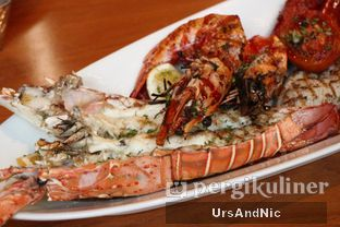 Foto 11 - Makanan(Mix Meat and Sea) di C's Steak and Seafood Restaurant - Grand Hyatt oleh UrsAndNic
