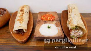 Foto 7 - Makanan di Emado's Shawarma oleh Mich Love Eat