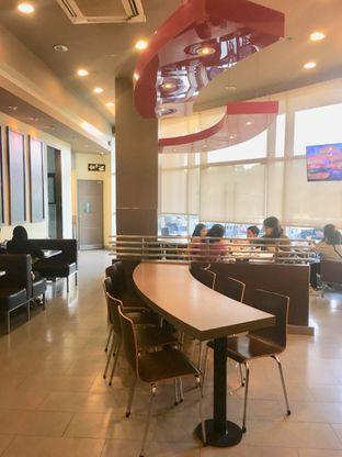 Foto 11 - Interior di Carl's Jr. oleh Prido ZH