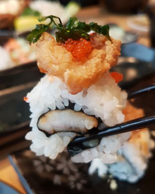 Foto 2 - Makanan(Fish Roll) di Sushi Tei oleh Gembuli Tan